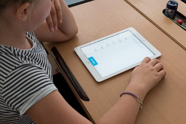 Savoirs numériques : 5 compétences nécessaires pour réussir en tant que Responsable de connaissances numériques