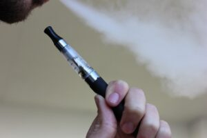 Cigarette électronique : découvrir le plaisir de fumer sans fumée